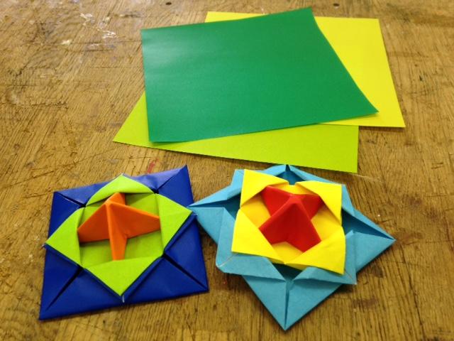 折り紙で作ったコマ